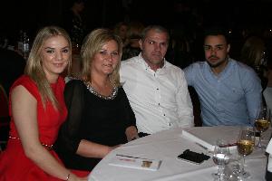 Ivona Dadić s obitelji (Fotograf: Jasna Lovrinčević)