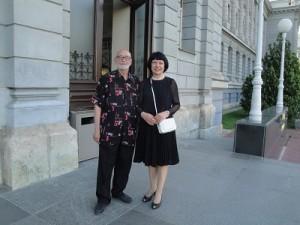 Anton Cetín i Jasna Lovrinčević ispred Muzeja Mimara u Zagrebu